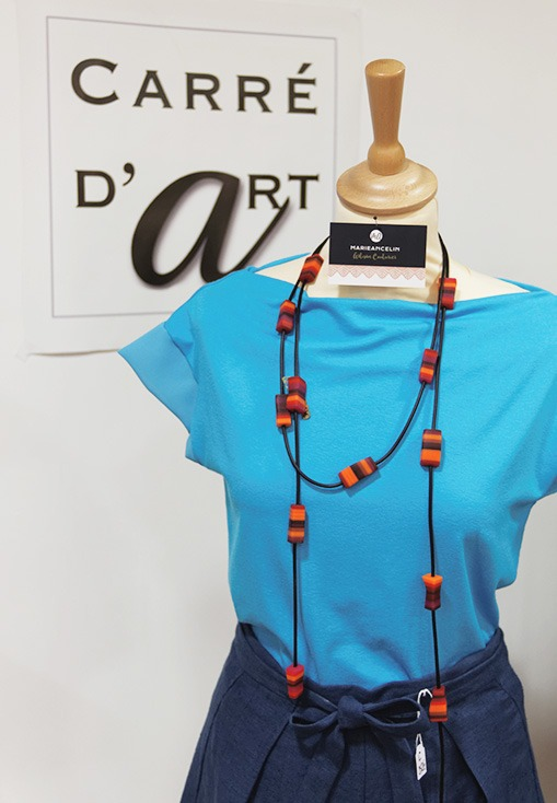 Jersey-de-coton-avec-le-pantalon-bleu-en-lin-cree-par-marie-ancelin