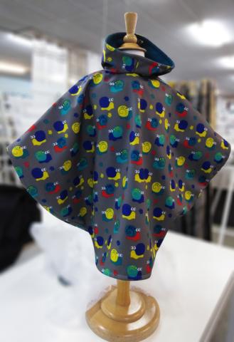 prototype-cape-de-pluie-enfant-realisee-par-marie-ancelin